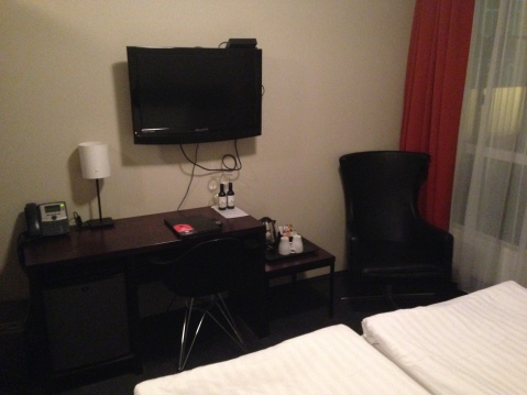 Center Plaza Hotel Room